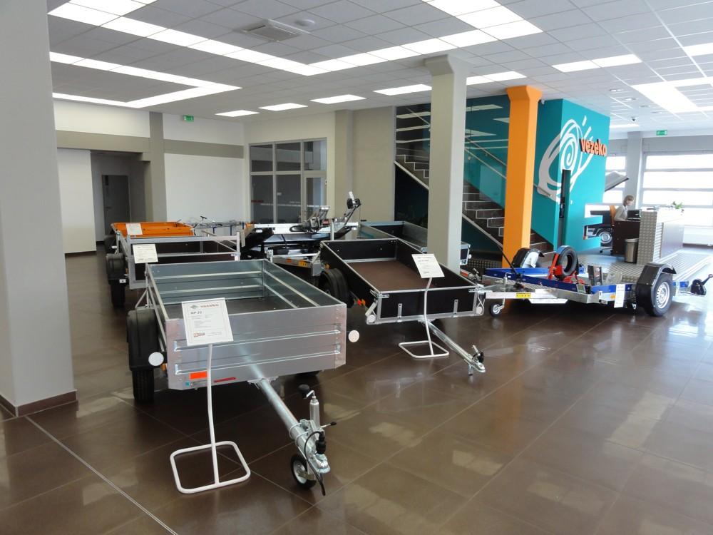 Přívěsy, přívěsné vozíky, auto a moto přepravníky, zakázková výroba a prodej