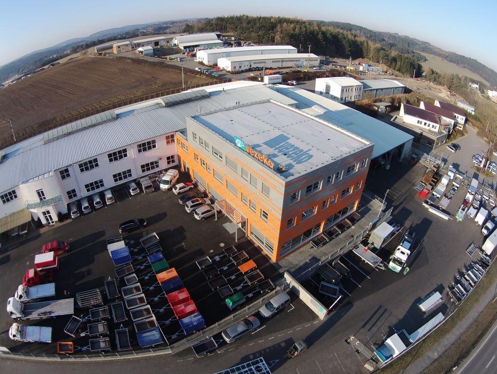 Zakázková výroba a prodej nákladních přívěsů a užitkových nástaveb nákladních automobilů