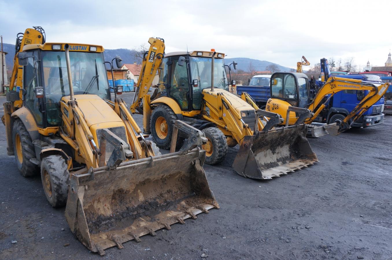 Zemní, výkopové a demoliční práce, svoz a odvoz odpadu včetně likvidace suti