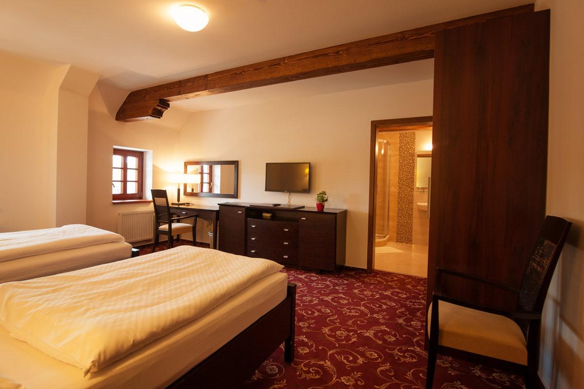 Ubytování v zámeckém hotelu s bazénem a půjčovnou kol