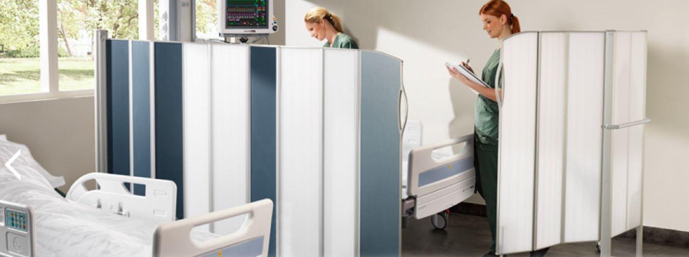 Zástěny do ordinací a nemocnic – skládací, mobilní i pevné