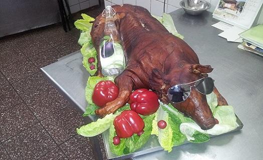 Kvalitní catering - pečené sele či krůta Opava, Krnov