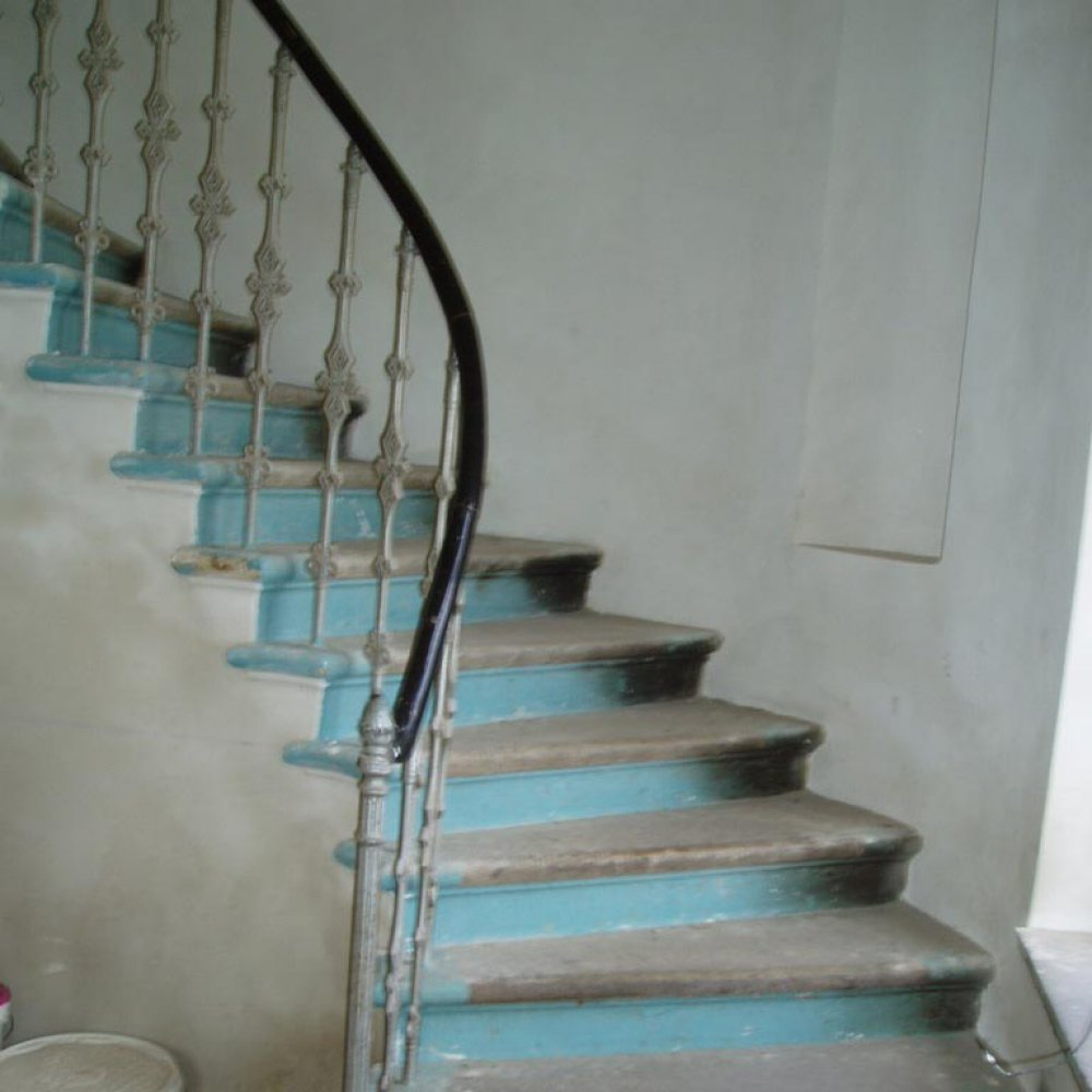 Čištění schodišť vysokotlakým vodním paprskem