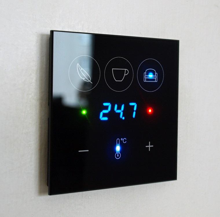 dotykový ovladač s termostatem - řešení nejen pro vytápění