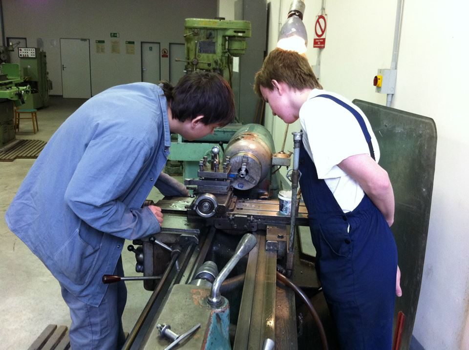 Střední průmyslová škola strojírenská na Kolínsku s mnoha technickými i ekonomickými obory