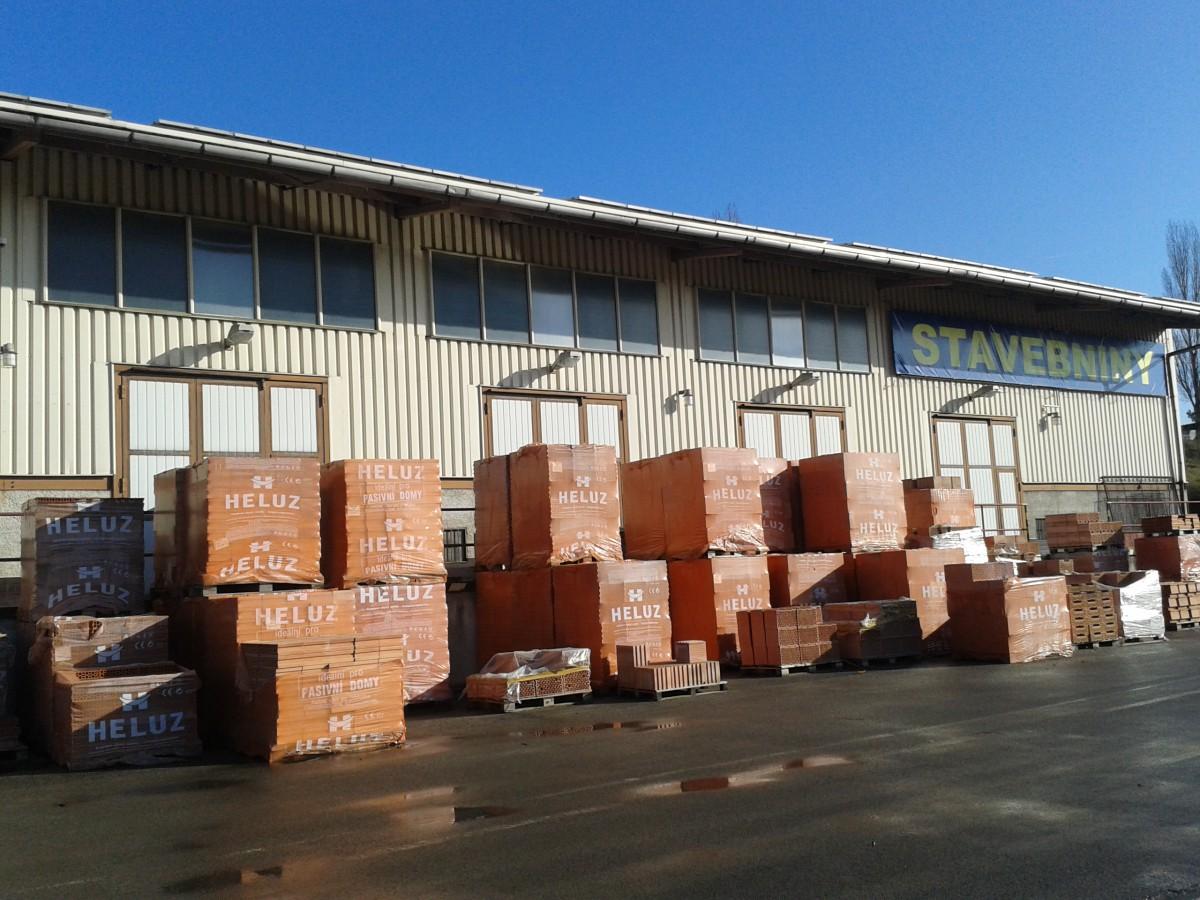 Betonové cihly a tvarovky – rychlá stavby zdí, základů, podlah