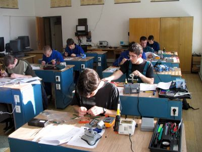 SOŠE, COP Hluboká nad Vltavou, učební obory elektrikář, elektromehanik pro zařízení a přístroje