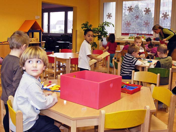 Pražská mateřská škola s velkou zahradou se zelení, Horní Měcholupy