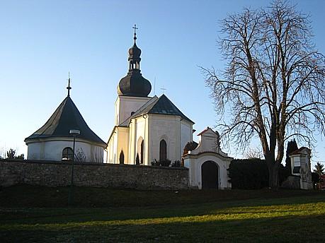 Obec Osice, kostel Nanebevzetí Panny Marie, turistika, historická města v okolí