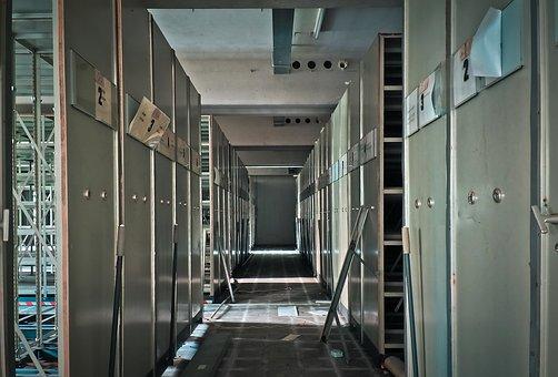 Kancelářský a dílenský nábytek, kovové vybavení šaten - Zámečnictví Třebíč