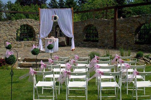 Romantické svatby a svatební obřady s ubytováním v penzionu na jednom místě