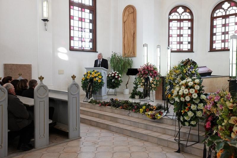 Pohřební služby, převozy Trutnov - pohřebnictví nonstop pohotovost