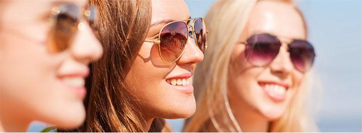 Sluneční brýle s testem na propustnost UV záření