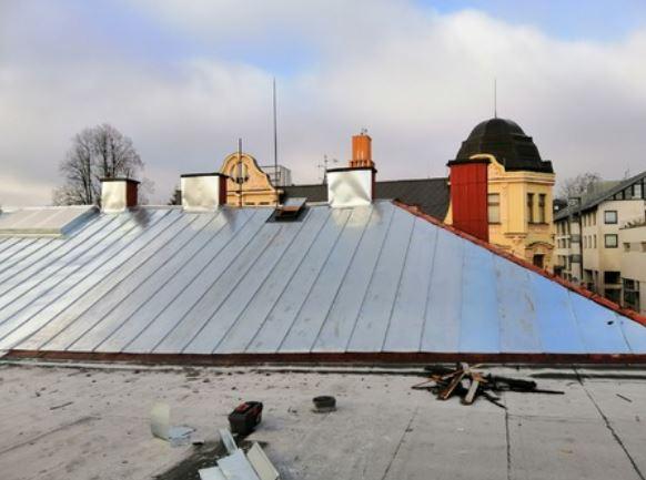 Střechy včetně okapů i oplechování štítů