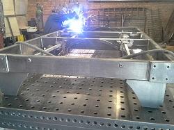 Malosériová, zakázková zámečnická výroba - strojní, stavební zámečnictví