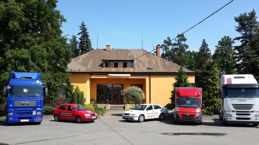 Specializovaný autobazar Hradec Králové - prodej, výkup a komisní prodej ojetých vozů