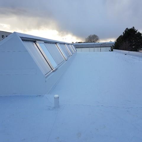 Kvapil Petr - střechy a izolace, poché střechy z kvalitních materiálů, domy, haly