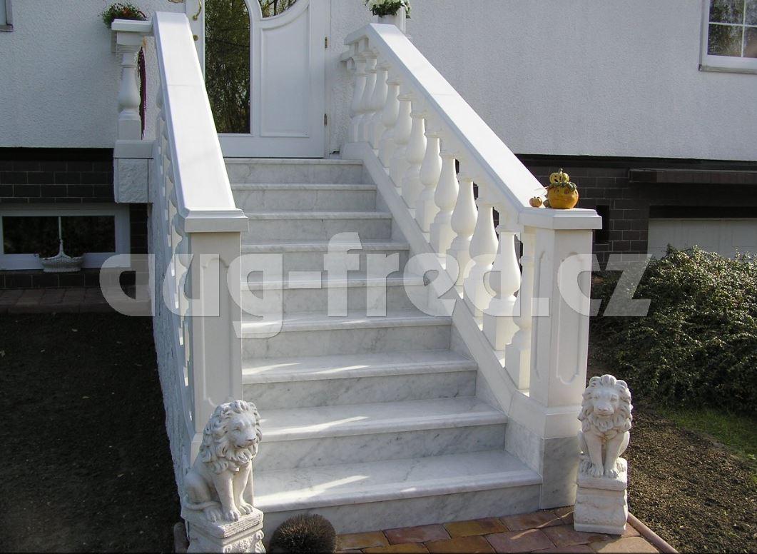 Luxusní schody z okrasného kamene