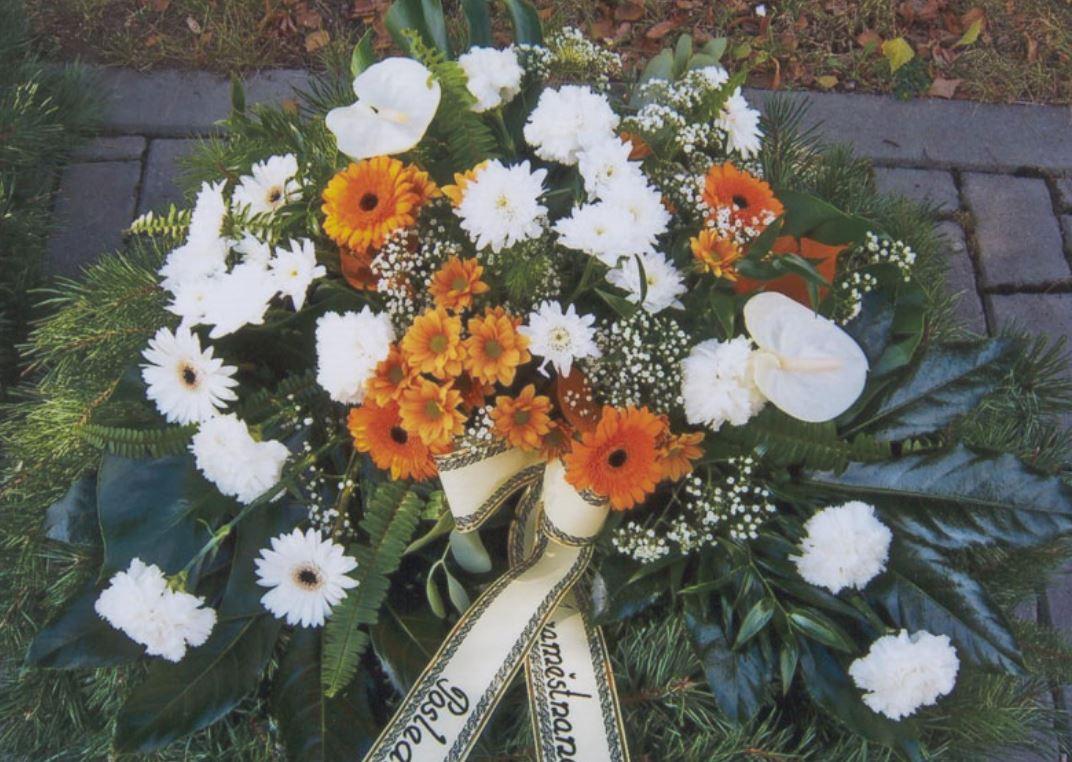 Pomoc pozůstalým s výběrem obřadní síně, krematoria i květinovou výzdobou, Pohřební služba Jan Pavka