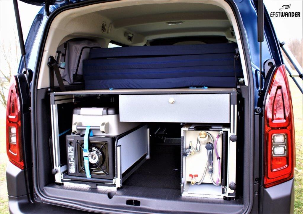 Kempingová, spací vestavba do auta Van Camping Modul - úprava auta na spaní, postel v autě