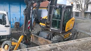 Výkopy,  úpravy terénu, demolice, zemní práce Břeclav