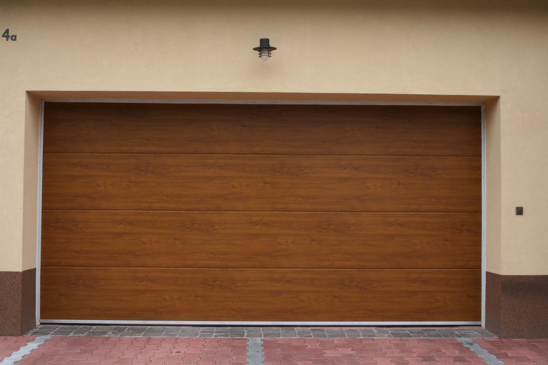 Sekční garážová vrata Praha