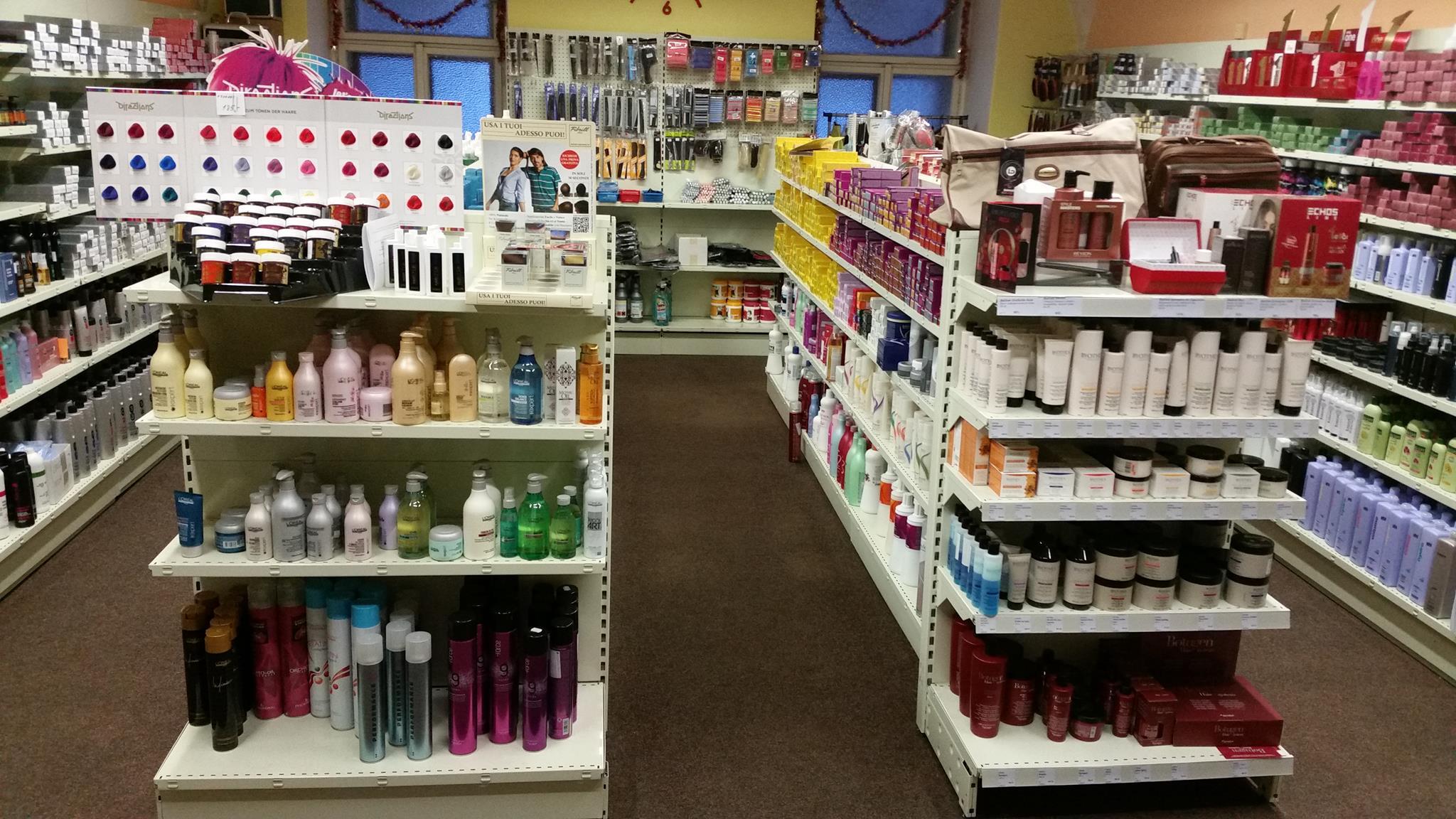 Velkoobchod profesionální vlasové kosmetiky a kadeřnických potřeb pro kadeřnické salony