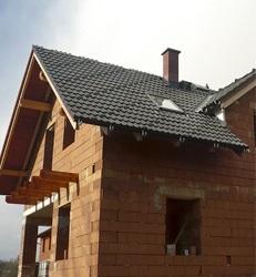 Střechy šikmé i rovné, montáž střešních krytin a rekonstrukce