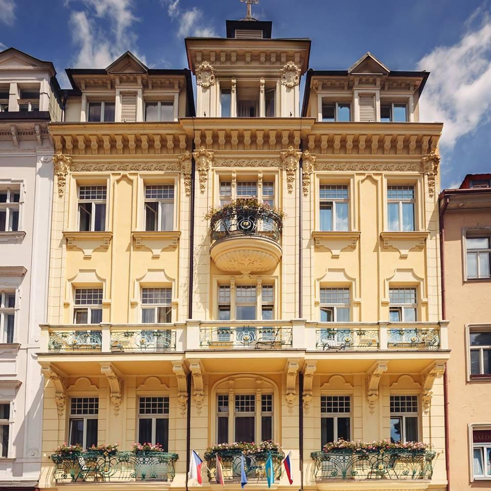 Ubytování v Karlových Varech, luxusní hotel v historickém centru s restaurací i wellness