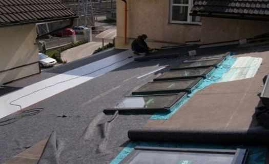 Hydroizolace pomocí PVC-P fólií, izolace plochých střech, balkonu, teras, bazénů i jezírek