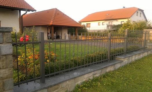 Oplocení, ploty, pletivo, plotové dílce, betonové ploty