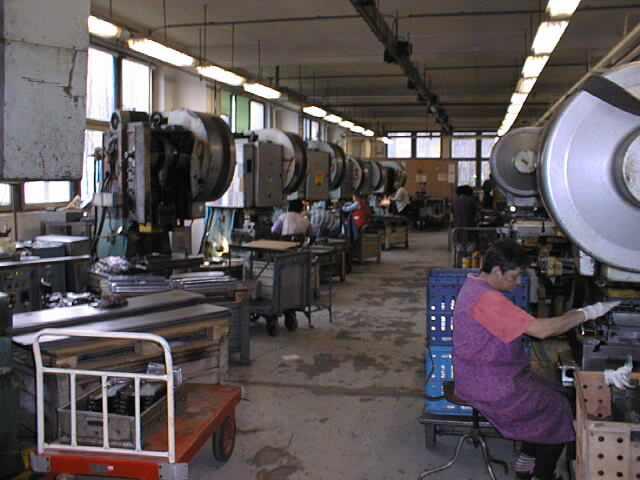 Tváření, svařování kovů, obrábění, výroba nástrojů