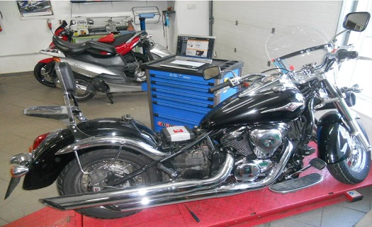 Prodej motocyklů včetně zprostředkování servisu, diagnostiky i výměny pneu