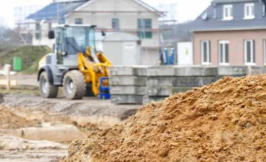 Terénní úpravy, zemní a výkopové práce v okrese Bruntál, demolice i bourací úpravy