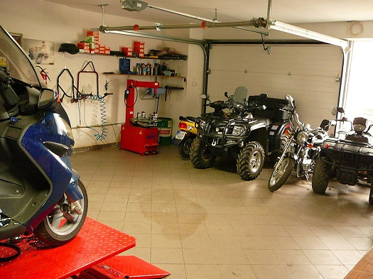 Zprostředkování pneumatik pro motocykly