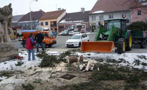 Správa a údržba nemovitostí ve vlastnictví města Rousínov, provoz ubytovny, úklid města