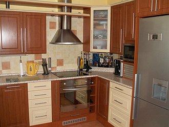 Komplexní výroba nábytku na míru - zakázkové kuchyně, kuchyňské linky, vestavné skříně