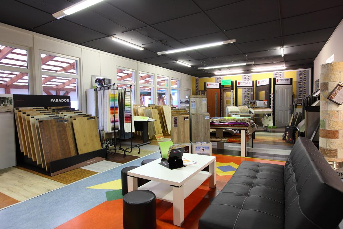 Podlahy vinylové, laminátové, dřevěné i PVC dodá SUMI SERVIS s.r.o.