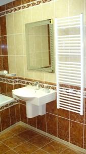 Rekonstrukce koupelny od návrhu až po realizaci - montáž sprchových koutů, sanitární keramiky
