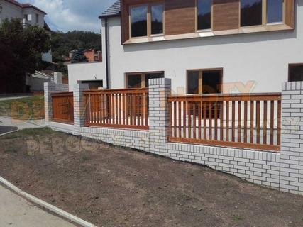 Kompletní výstavba dřevěných plotů na klíč