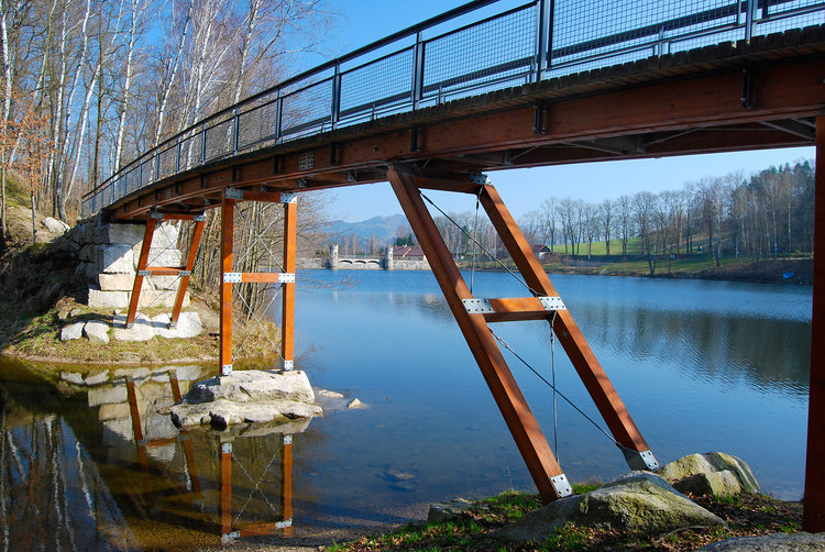 Průmyslové a dopravní stavby, mosty a jiné projekty