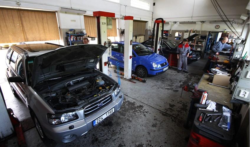 Příprava provedení emise, stk, plnění autoklimatizací Zlín