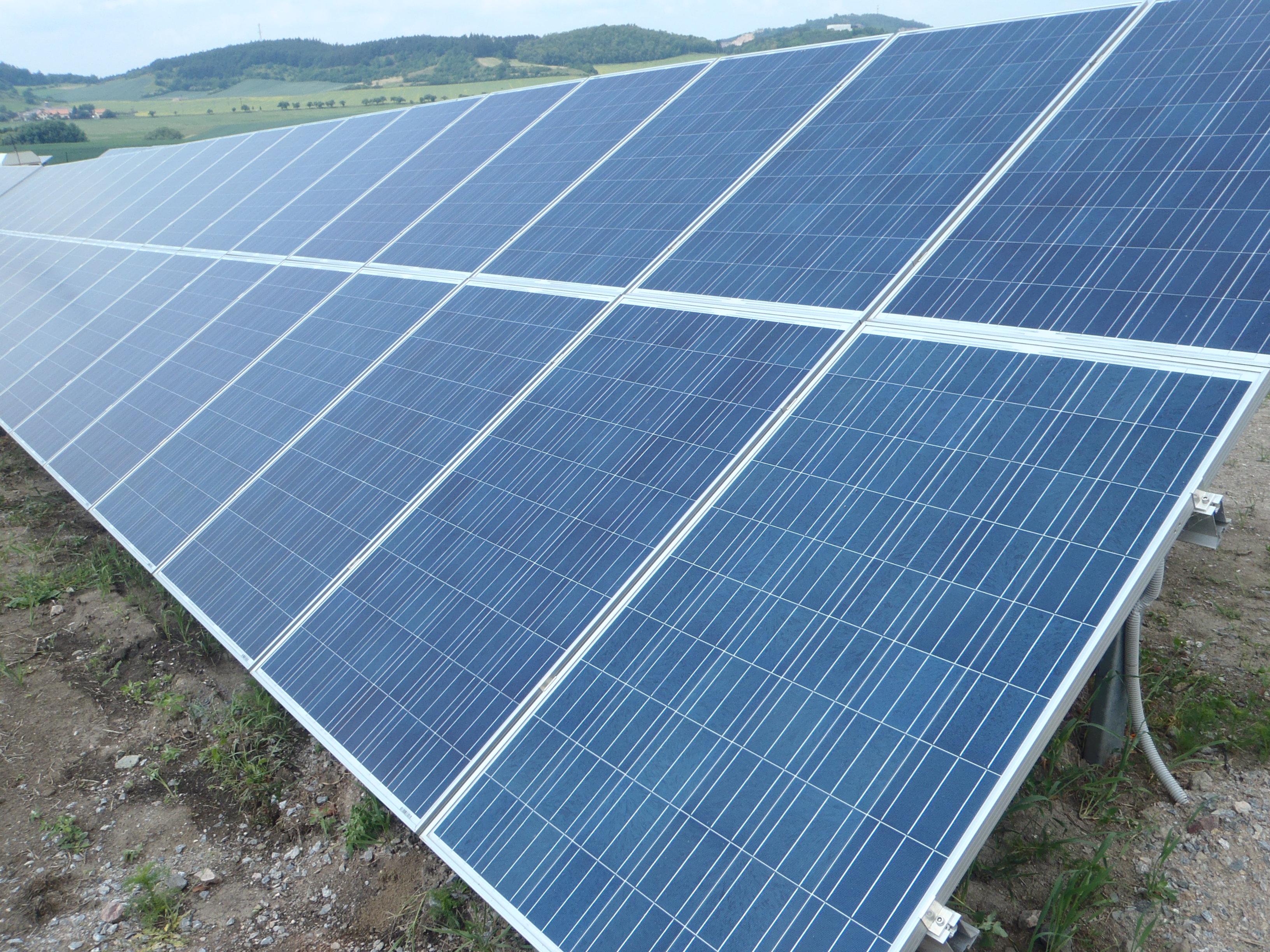 Ochrana solárních elektráren a solárních panelů