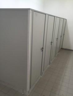 Sanitárne priečky, WC kabíny do obytných buniek, kancelárskych modulov a kontajnerov