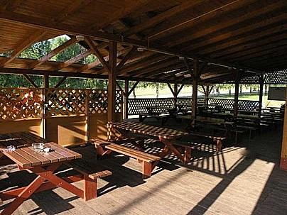 Restaurace - Pivnice Montána, Brno, letní zahradka, dětské hřiště