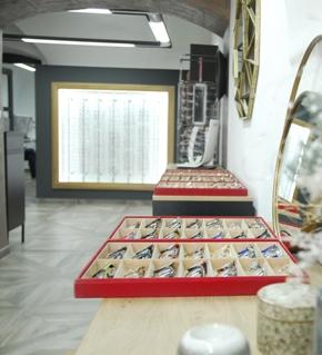 Prověřené značky brýlí - Prada, Dolce & Gabbana, Oakley, Etnia Barcelona, Ray Ban, Tommy Hilfiger