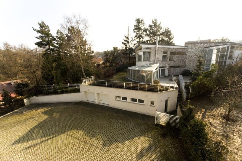 Prodej luxusní vily a bytového domu