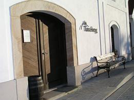 Vinné sklepy Mikulov, vinařství, jižní morava, vinobraní.