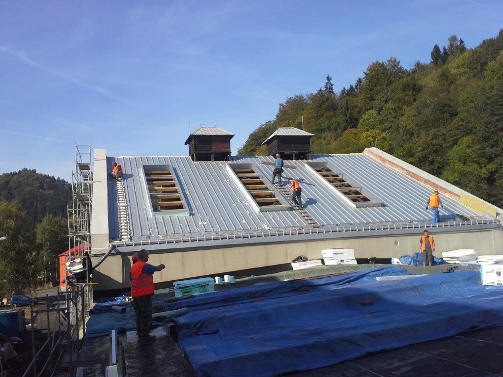 Opravy všech druhů střech