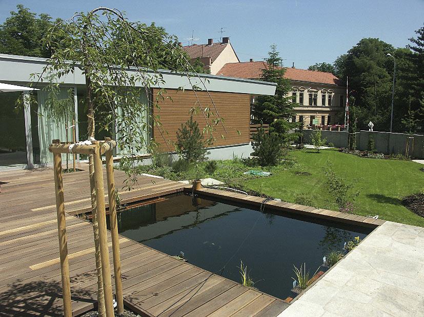 Koupací a okrasná zahradní jezírka Praha